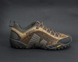 MERRELL INTERCEPT MOTH